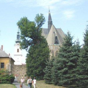 Děkanský kostel s Bílou věží